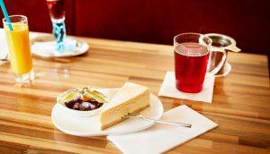 Café 21 – Kuchen mit Tee