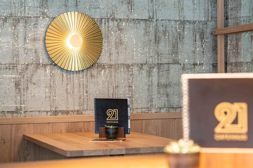 Cafe 21 – Einrichtung
